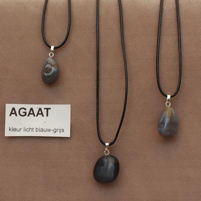 Agaat  edelsteen( Botswana) kleur licht blauw-grijs  1 Edelsteen