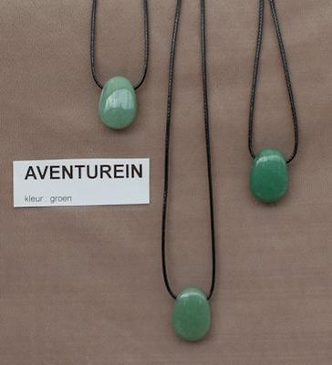 Aventurein edelsteen (India) kleur groen  1 Edelsteen