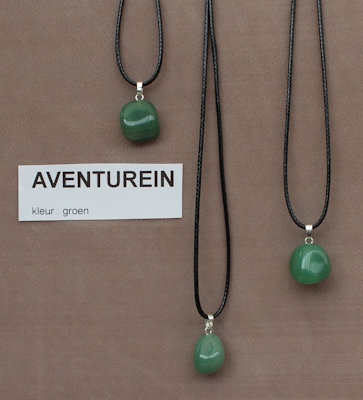 Aventurein edelesteen (India) kleur groen  1 Edelsteen