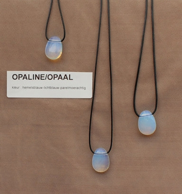 Opaline/Opaal edelstreen 'Chinaa) hemels blauw  1 Edelsteen